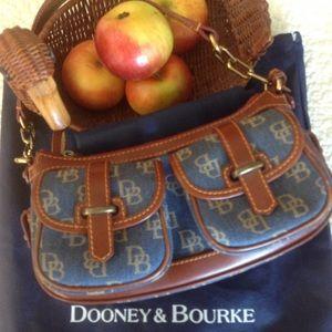 DOONEY & BOURKE BITSY BAG